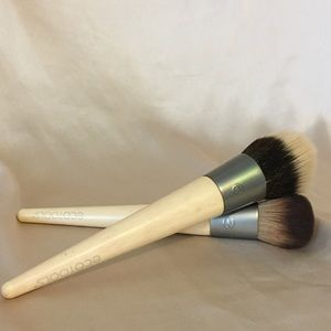 2 Ecotools Contour Brushes